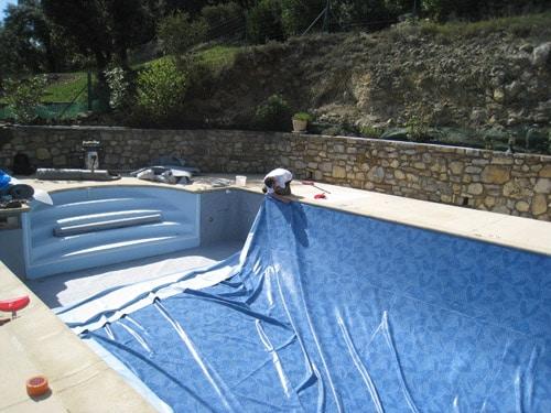 Pose et remplacement de liner piscine sur marseille et aix for Remplacement liner par resine piscine