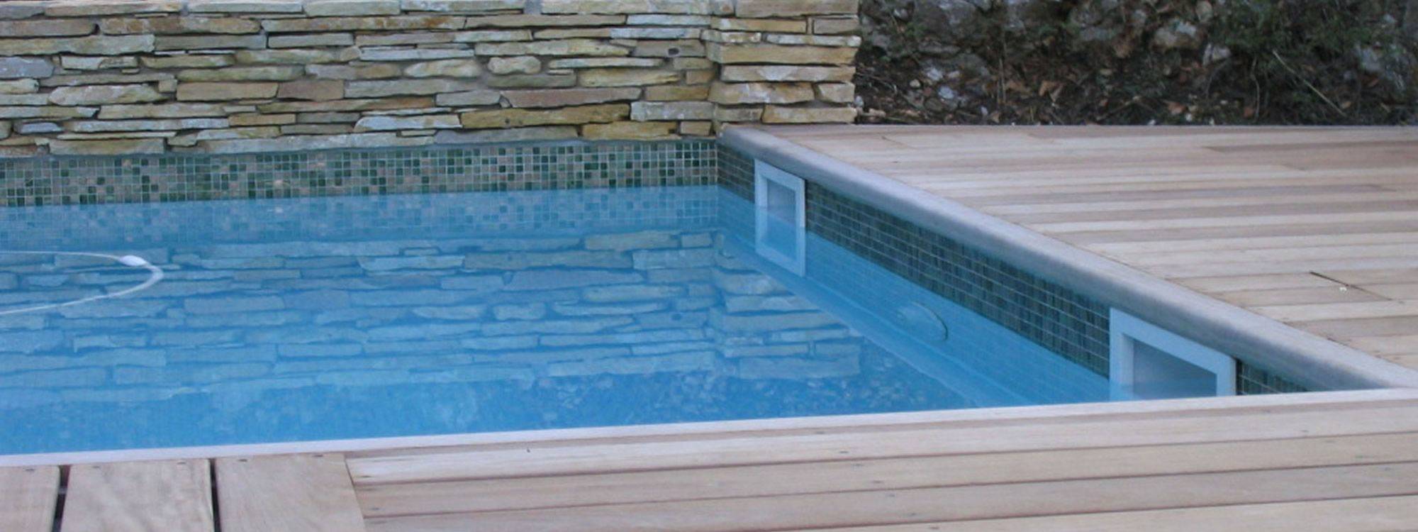 Decoration piscine exterieure piscine ext rieure avec for Decoration piscine exterieure